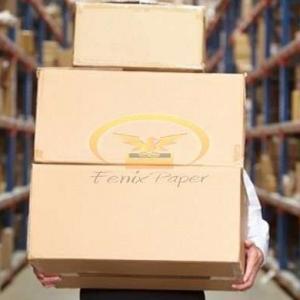 Caixa de papelão com logomarca